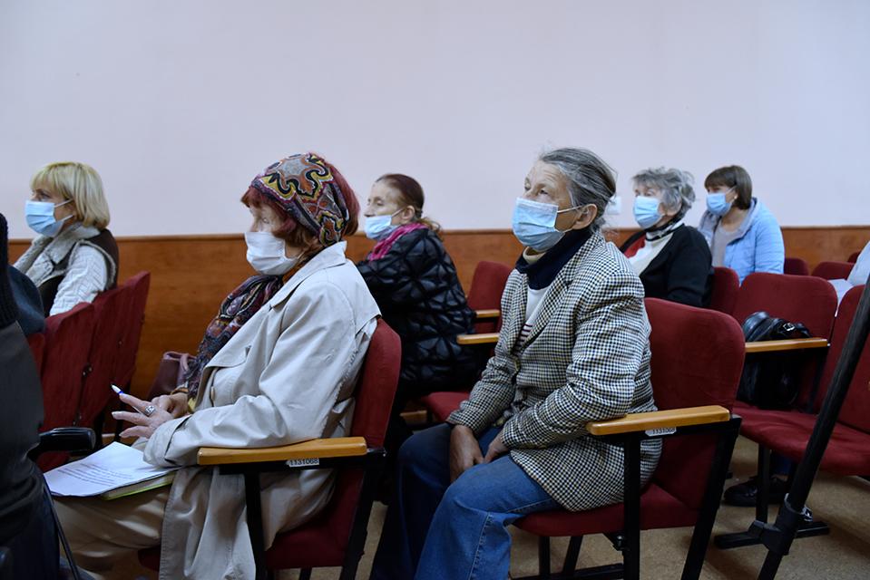 """У Вінниці презентували ініціативу соціальний паспорт """"Картка життя"""""""